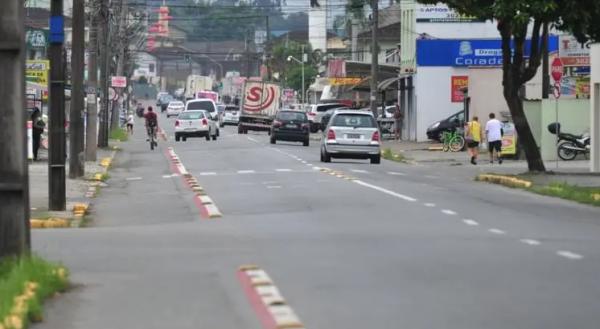 Obras na Rua Albano Schmidt em Joinville podem gerar lentidão nos trajetos das linhas de ônibus
